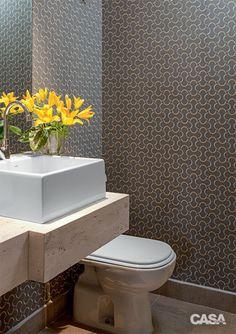 11 boas ideias para decorar um apartamento comprado na planta - Casa Decor, Lavatory, Wash Basin, Bathroom Inspiration, Bathroom Decor, Toilet, Powder Room, Washroom Design, Bathroom