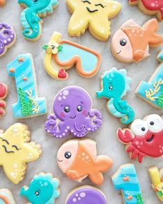 Im not ready for summer to be over! These precious summer cookies got me nostalgic about summer. Summer Cookies, Fancy Cookies, Iced Cookies, Cute Cookies, Royal Icing Cookies, Cupcake Cookies, Cookies Et Biscuits, Cookies Kids, Starfish Cookies