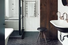 If you can't bear the thought of living in an all black and white home, let your minimalist dreams come alive by using a restricted color palette in the bathroom.