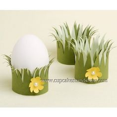 Discover Unique Easter Holiday Decoration Ideas 2012 on family holiday. Easter holiday decorations that come in many styles that bring any room to life. Cup Crafts, Easter Crafts For Kids, Easter Ideas, Spring Crafts, Holiday Crafts, Idee Diy, Easter Holidays, Egg Decorating, Easter Eggs