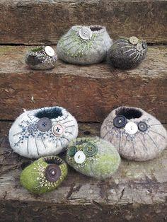 H-anne-Made: Felt pots... @Ruth Murphy aren't these gorgeous...