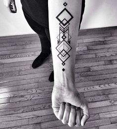 geometric-tattoo-designs-26.jpg 600×663 ピクセル