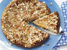 Der Aprikosen-Käsekuchen ist genau richtig für gesundheitsbewusste Kuchen-Fans: saftig, fruchtig – dabei wenig Fett und Kalorien, aber viel Eiweiß.