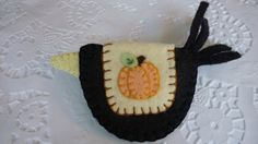 Primitive Felted Wool Crow with Pumpkin Penny Rug Blanket Pin Brooch I.. 7