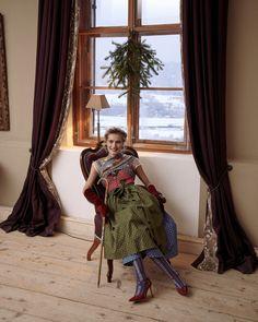 Gold Bullion, Elegant, Couture, Folklore, Austria, December, Collection, Style, Fashion Styles