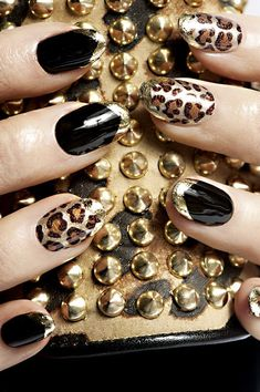 Metallica nail art designs are catchy and attracting. The metallic nail polish is shiny and can easily grab the people's attention on you. Nail Art Designs, Cheetah Nail Designs, Leopard Nail Art, Leopard Print Nails, Elegant Nail Designs, Beautiful Nail Designs, Beautiful Nail Art, Nails Design, Design Art