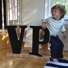 Vildt fede stole Childrens Alphabet, Huge Houses, To Spoil, Baby Furniture, Gender Neutral, New Moms, Cleaning Wipes, Little Ones, Gifts For Kids