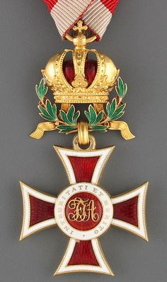 Leopold Order, Knights' Cross, with gold WD (produced in 1914 and early 1915), 30.86 x 61.9mm including crown suspension, Firma Rothe Neffe, Vienna. Obv.
