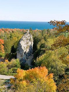 Whether you're up for a short ramble or a more adventurous outing, we've got ideas throughout the Midwest for parks where you can stretch your legs and enjoy the best of Midwest fall color.