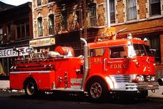 Rescue Vehicles, Police Vehicles, Fire Equipment, Mack Trucks, Call Of Duty Black, Fire Apparatus, Emergency Vehicles, Fire Dept, Fire Engine