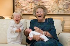 Fabulous shot of Beatrix with granddaughters Luana and Zaria, children of Prince Friso and Princess Mabel.