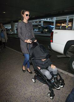 Miranda Kerr Photos - Miranda Kerr Arrives at LAX Airport - Zimbio