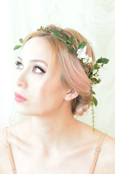 romantic and simple bridal flower crown