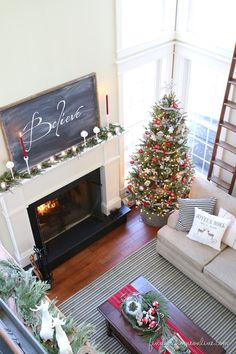 OMG now I really want to finish my mirror-to-chalkboard project!!!! ModernFarmhouseChristmasDecorating thumb Christmas Decorating Ideas: Holiday Housewalk Tour