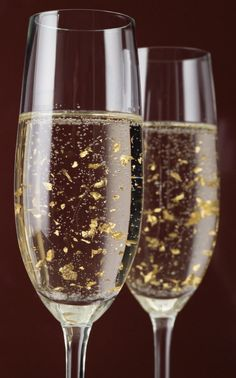 Luxor Champagne with real 24 ct gold flakes