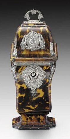 A TORTOISESHELL SILVER-MOUNTED SHAVING CASE, SPAIN, CA 1770 Antique Vanity, Antique Silver, Pretty Box, Gold Glass, Old Jewelry, Casket, Vanity Set, Tortoise Shell, Shells