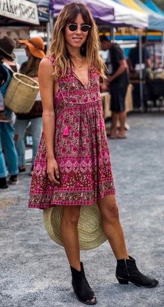 20 Brilliant Summer Outfit & Dresses to Lookout ⭐⭐⭐⭐⭐ Casual Bohemian Dress as featured on PASABOHO. Featuring street style fashion trends style inspiration. Pasaboho features attractive embroidery products and apparel available for wholesale. It is our passion to connect with embroidery enthusiast all over the world #Pasaboho