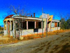 Google Image Result for http://lyonsmouth.files.wordpress.com/2010/04/arizona-highway-diner-abandoned.jpg
