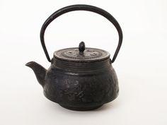 Antique Japanese Iron TEA KETTLE Teapot Tetsubin Signed Waves in Antiques, Asian Antiques, Japan, Teapots | eBay