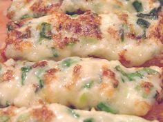 Tartine calde rapide, cu branza si ceapa verde - Tartine calde rapide, cu branza si ceapa verde