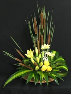 Cat tail flowers with foliage and yellow flowers Cat tail flowers with foliage and yellow flowers The post Cat tail flowers with foliage and yellow flowers appeared first on Easy flowers. Easter Flower Arrangements, Creative Flower Arrangements, Ikebana Arrangements, Flower Arrangements Simple, Easter Flowers, Contemporary Flower Arrangements, Arte Floral, Beautiful Flowers, Simple Flowers