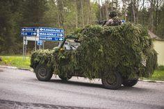 Land Rover Defender 110 LVA militar camouflage. Nice!
