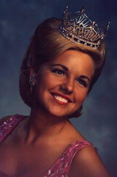 Miss Tennessee 1966 - Vicki Hurd Bartholomew - Miss Carter