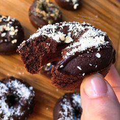"Donettes de avena doble choc Donets of avena doble choc ""fit"" (Donuts fitness) Related Post 5 Weight-Crushing Quotes to Keep Your Level Up! My Recipes, Sweet Recipes, Real Food Recipes, Dessert Recipes, Donuts, Healthy Desserts, Healthy Recipes, Love Food, Bakery"