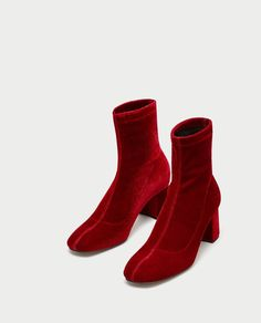Russet ankle boots with heels, stretch leg and lined heel. Heeled Mules, Heeled Boots, Shoe Boots, Women's Shoes, Velvet Ankle Boots, Black Ankle Boots, Velvet Fashion, Boot Brands, Women's Handbags