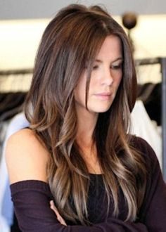 Kate Beckinsale might just have THE best ever brunette locks - Frisuren Haircuts For Long Hair, Long Hair Cuts, Cool Hairstyles, Hairdos, Medium Hair Styles, Long Hair Styles, Long Layered Hair, Long Hair With Layers, Long Hairstyles With Layers