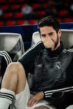 Isco of Real Madrid looks on from the bench during the FIFA Club World Cup UAE 2018 Semi Final match between Kashima Antlers and Real Madrid at Sheikh Zayed Sports City Stadium on December Get premium, high resolution news photos at Getty Images Isco Real Madrid, Real Madrid Team, Real Madrid Football, Real Madrid Players, Soccer Players Hot, Soccer Guys, Best Football Players, Alexandre Pato, Body Transformation Men