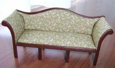 Sohvan kaavat ja ohje hollanniksi        Sofa Rose privé suite.      In deze zelf gemaakte sofa, kon ik mijn zelf geprinte stof gebruiken.    ...