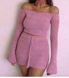 Saggy titts n hip dips ✊✌ Crochet Blouse, Crochet Bikini, Crochet Top, Crotchet, Crochet Designs, Crochet Patterns, Spring Outfits Women, Fashion Outfits, Woman Outfits