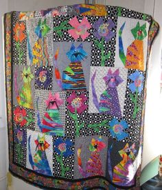 Those Crazy Catz Quilt pattern by Buggy Barn. ~ Love the string whiskers! Dog Quilts, Animal Quilts, Scrappy Quilts, Barn Quilts, Quilt Baby, Quilting Projects, Quilting Designs, Quilting Templates, Quilting Ideas