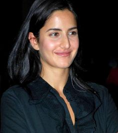 Did you imagine the bollywood beauty Katrina Kaif without makeup? Have a look at the 25 pictures of Katrina Kaif no makeup looks that will surprise you! Picture Of Katrina Kaif, Katrina Kaif Hot Pics, Katrina Kaif Images, Katrina Kaif Photo, Beauty Make-up, Best Beauty Tips, Beauty Hacks, Natural Beauty, Parineeti Chopra