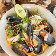 This delicious Tom Yum Soup recipe was created for my television series New Zealand with Nadia Lim with juicy Marlborough mussels fresh from the sea. Soup Recipes, Dinner Recipes, Cooking Recipes, Recipies, Seafood Recipes, Healthy Soup, Healthy Recipes, Healthy Lunches, Tom Yum Soup