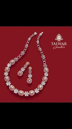 Diamond Necklace Set, Diamond Pendant, Diamond Jewelry, Gold Jewelry, Jewelery, Fine Jewelry, Antique Jewellery Designs, Jewelry Design, Sterling Necklaces