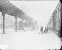LaSalle Street depot in blizzard, 1929 ICHi Number: DN-0090245 #chicago #history #winterinchicago