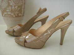 Sandale din piele lacuita