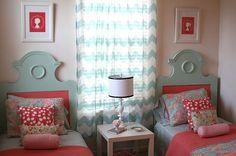 Coral, rosa y azul para la habitación de las niñas. Bonita combinación pero... ¿no acabará cansando un poco?