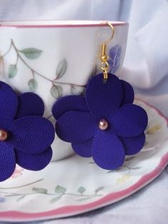 leather flower earings More