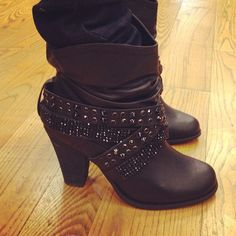 Not Rated Short Changed Boot, just ordered these for 30 dollars on amazon. I cant wait to get these! Too cute