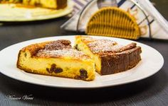 Prajitura Cu Branza, Lamaie Si Stafide French Toast, Food And Drink, Breakfast, Pastries, Cakes, Food Dinners, Morning Coffee, Cake Makers, Tarts