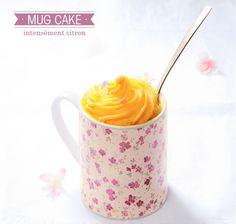 La recette immanquable du cup-cake au citron sur le blog jemeblancheportebien.com #mugcake #sweets #recette #cake #gâteau #blancheporte