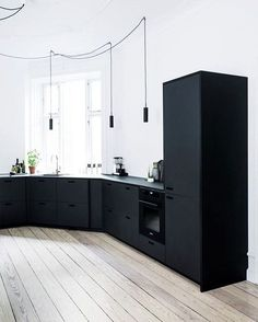 Simple and Creative Ideas: Minimalist Interior Ideas Woods colorful minimalist home benches.Colorful Minimalist Home Benches minimalist interior kitchen spaces.Minimalist Home Decoration Inspiration. Black Kitchen Cabinets, Kitchen Cabinet Design, Black Kitchens, Modern Kitchen Design, Interior Design Kitchen, Kitchen Decor, Floors Kitchen, Kitchen Black, Kitchen Ideas