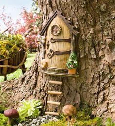 Fantastic Ideas for Fairy Garden Doors : Miniature Garden Fairy Door. Fairy Tree Houses, Fairy Garden Houses, Gnome Garden, Garden Art, Garden Design, Kids Fairy Garden, Art Floral Japonais, Fairy Garden Doors, Fairy Doors On Trees