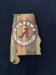 State of Alabama with the Crimson Tide painting and cut out made from pallets