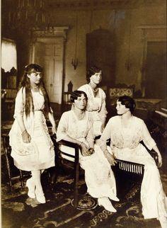 Anastasia, Olga, Maria, Tatiana | 1916. OTMA's final formal portrait, Alex's drawing room at Alexander Palace