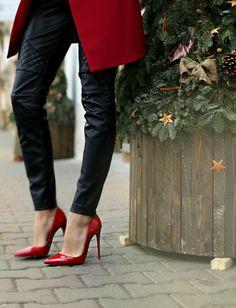 Carla Short Blazer Dress size 34 (shop here) Blazer And Shorts, Red Blazer, Blazer Dress, Red Sole, Leather Trousers, Sexy Boots, Square Scarf, Stiletto Heels, Valentino