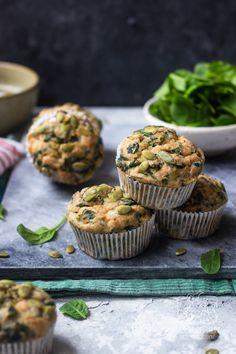 Muffinki z serkiem wiejskim i szpinakiem na drugie śniadanie Chilli, Lunch Box, Healthy Recipes, Cooking, Breakfast, Cake, Pierogi, Diet, Mussels